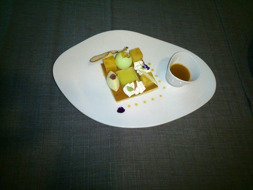 Cuisinier en desserts de restaurant